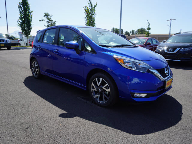 new 2017 nissan versa note sr cvt hatchback in puyallup 171144 bill korum 39 s puyallup nissan. Black Bedroom Furniture Sets. Home Design Ideas