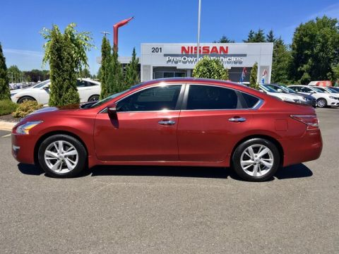 Pre-Owned 2014 Nissan Altima 2.5 SV with Navigation
