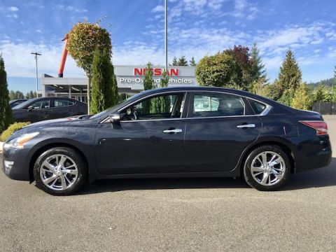 Pre-Owned 2014 Nissan Altima 2.5 SL with Navigation