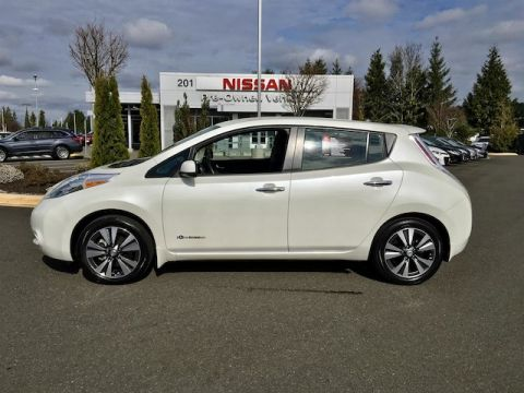 Certified Pre-Owned 2015 Nissan LEAF SV with Navigation