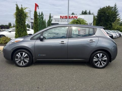 Pre-Owned 2015 Nissan LEAF SL with Navigation