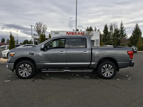 Pre-Owned 2017 Nissan Titan SL with Navigation