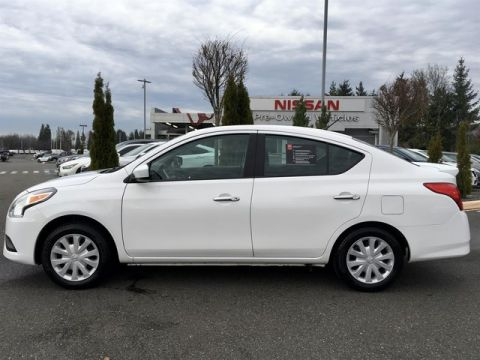 Certified Pre-Owned 2017 Nissan Versa 1.6 SV