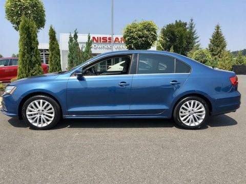 Pre-Owned 2015 Volkswagen Jetta 1.8T SE TSI with Navigation
