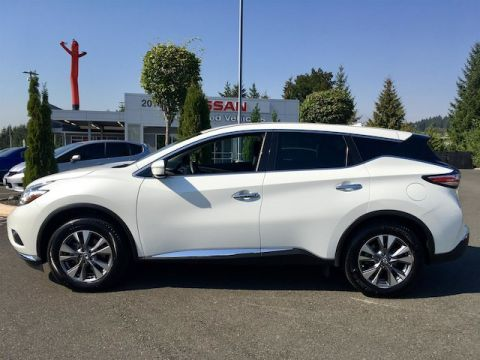 Pre-Owned 2015 Nissan Murano S with Navigation