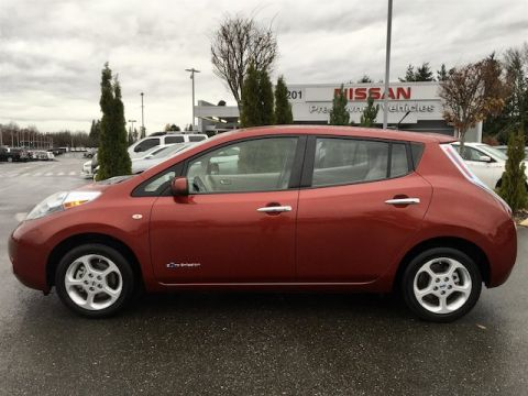 Pre-Owned 2011 Nissan LEAF SV with Navigation