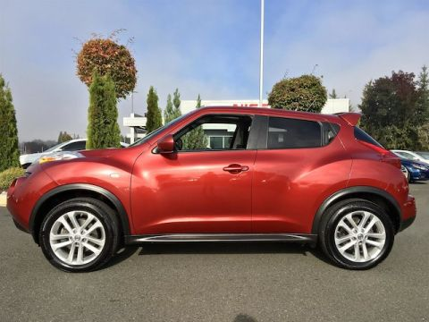 Pre-Owned 2014 Nissan Juke SL with Navigation